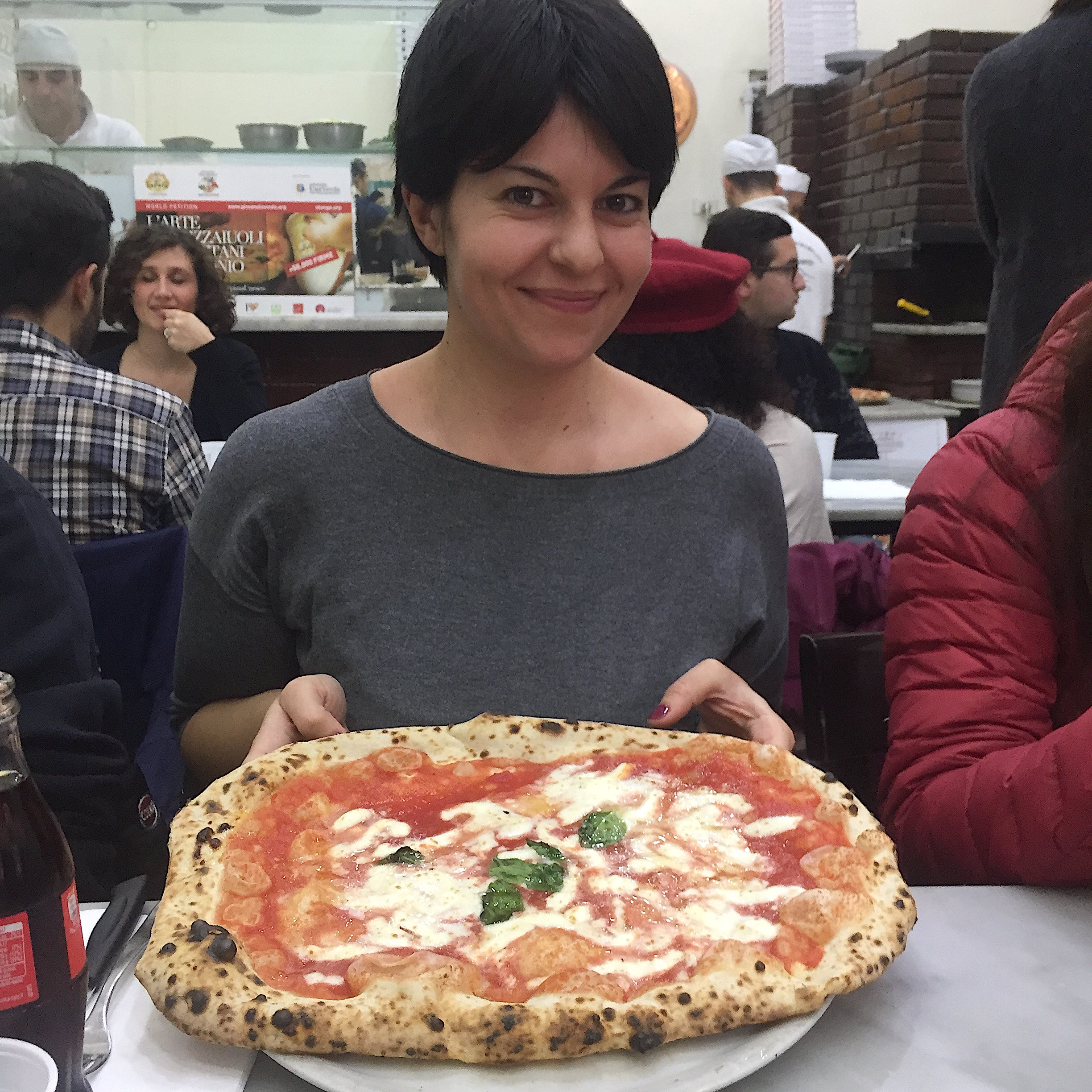 Naples-pizzeria-da-michele