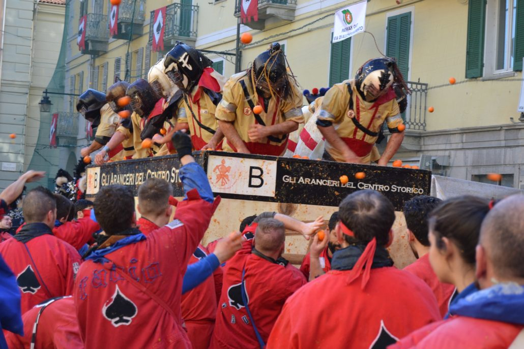 Carnival of Ivrea: the Battle of the Oranges | My Italian