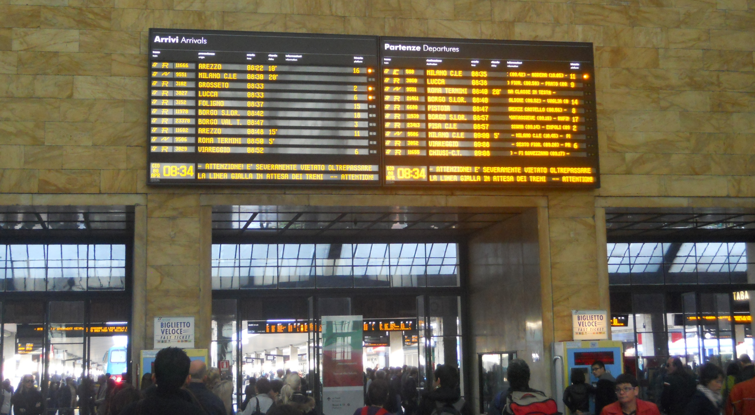 Train timetable in Florence Santa Maria Novella