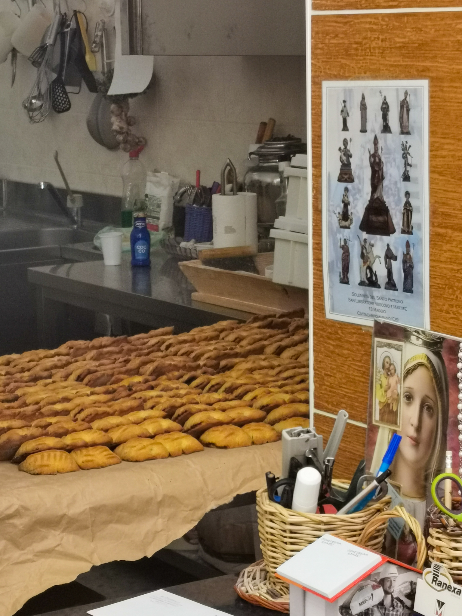 Ciell, the traditional biscuits of Civitacampomarano, in the region of Molise