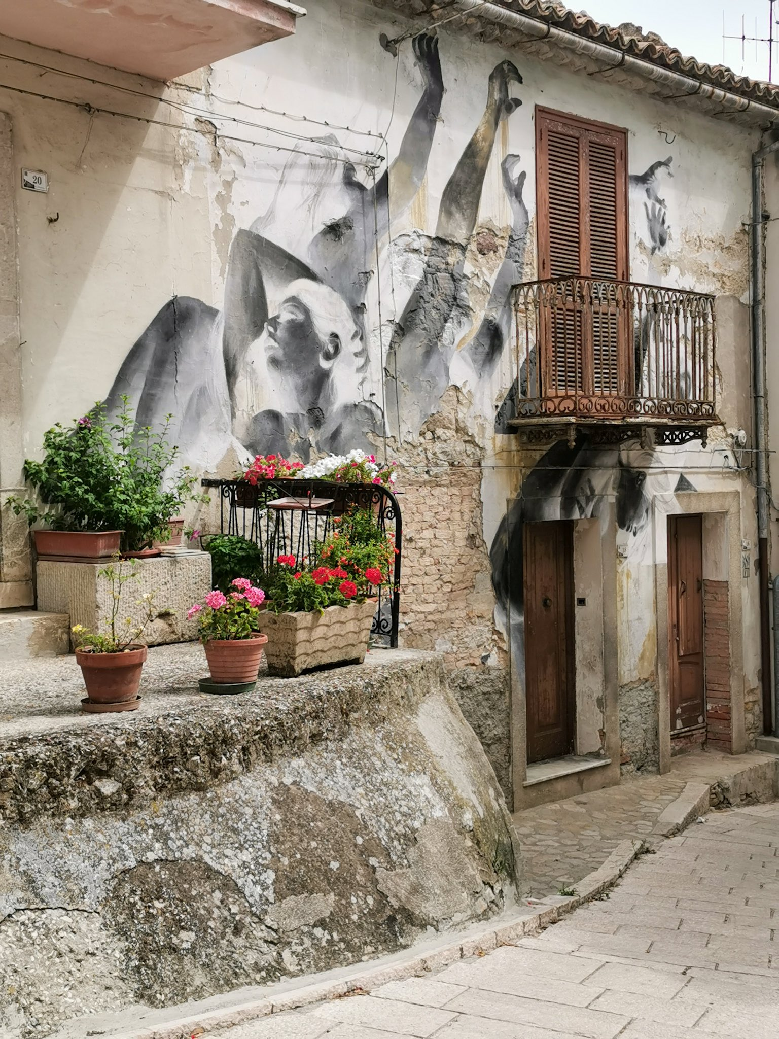 The murals of Civitacampomarano, in the region of Molise