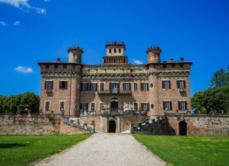 Lombardy hidden gems: the Castle of Chignolo Po