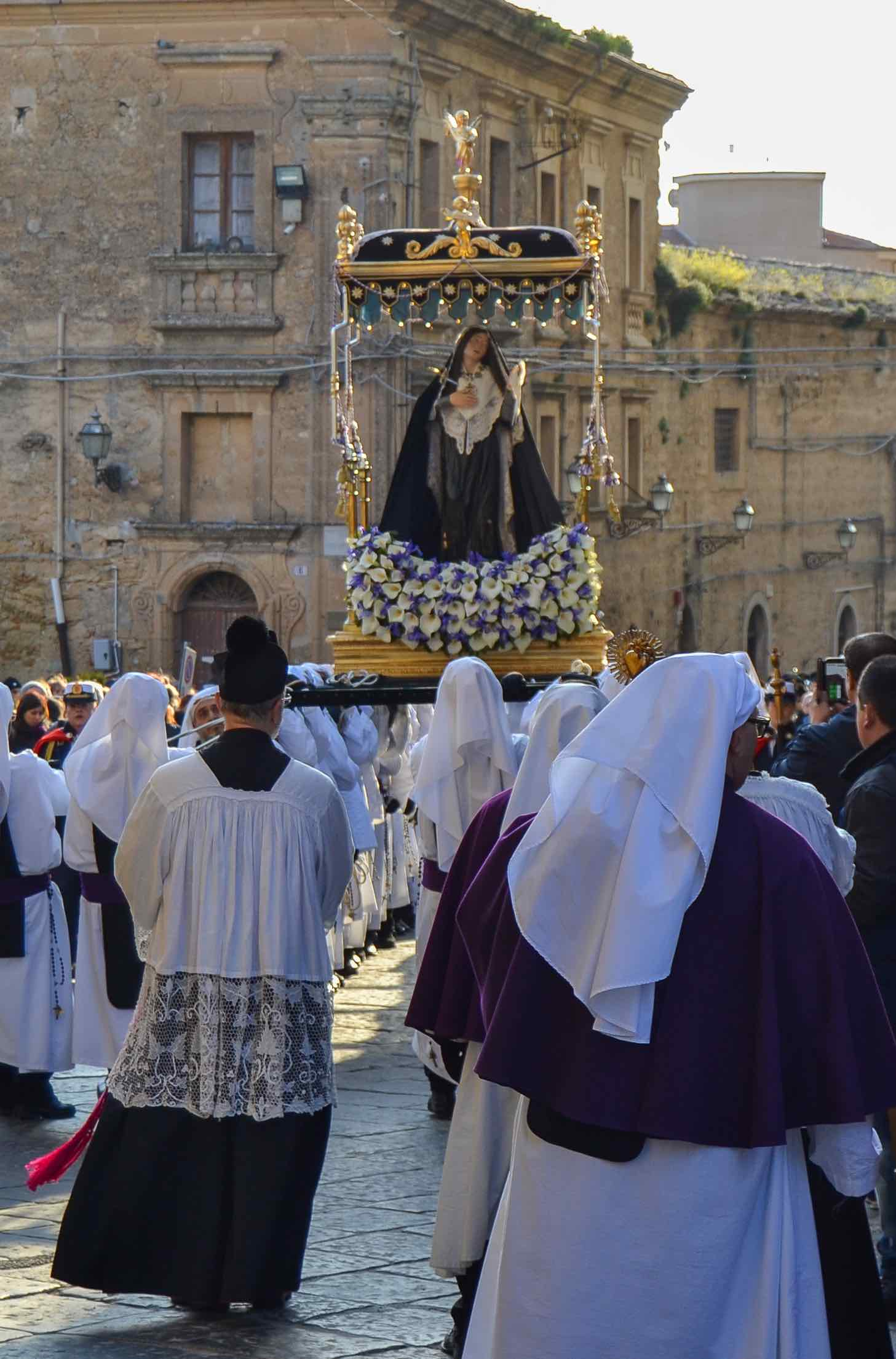 The Good Friday procession in Enna, one of the most amazing events of the Holy Week in Sicily